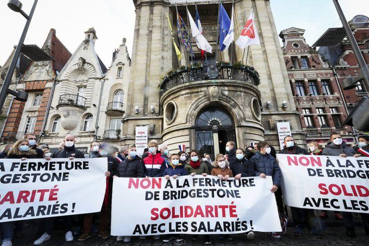 marche-silencieuse-faveur-salaries-Bridgestone-devant-lusine-Bethune-dimanche-4-octobre-2020_0